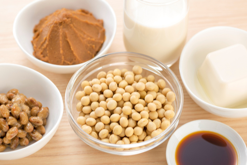 豆腐や納豆